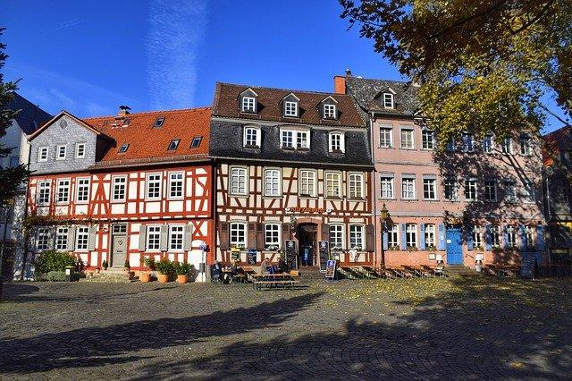 Abbildung von alten Gebäuden in Frankfurt am Main.